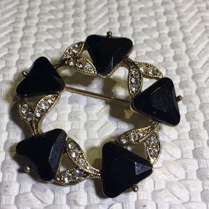 Vintage gold tone rhinestone pin brooch